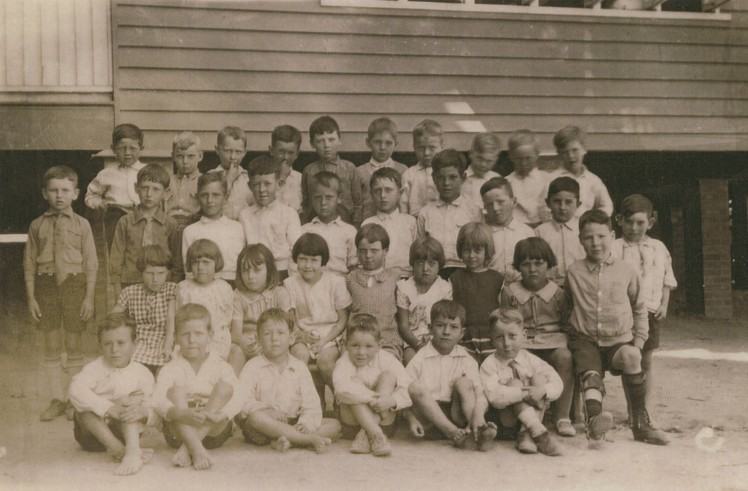 Kelvin Grove State School children c1930