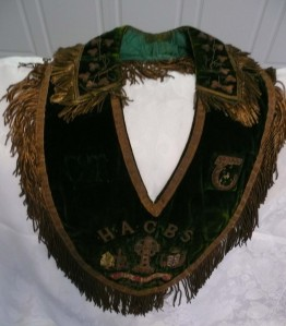 An example of an Hibernian sash.