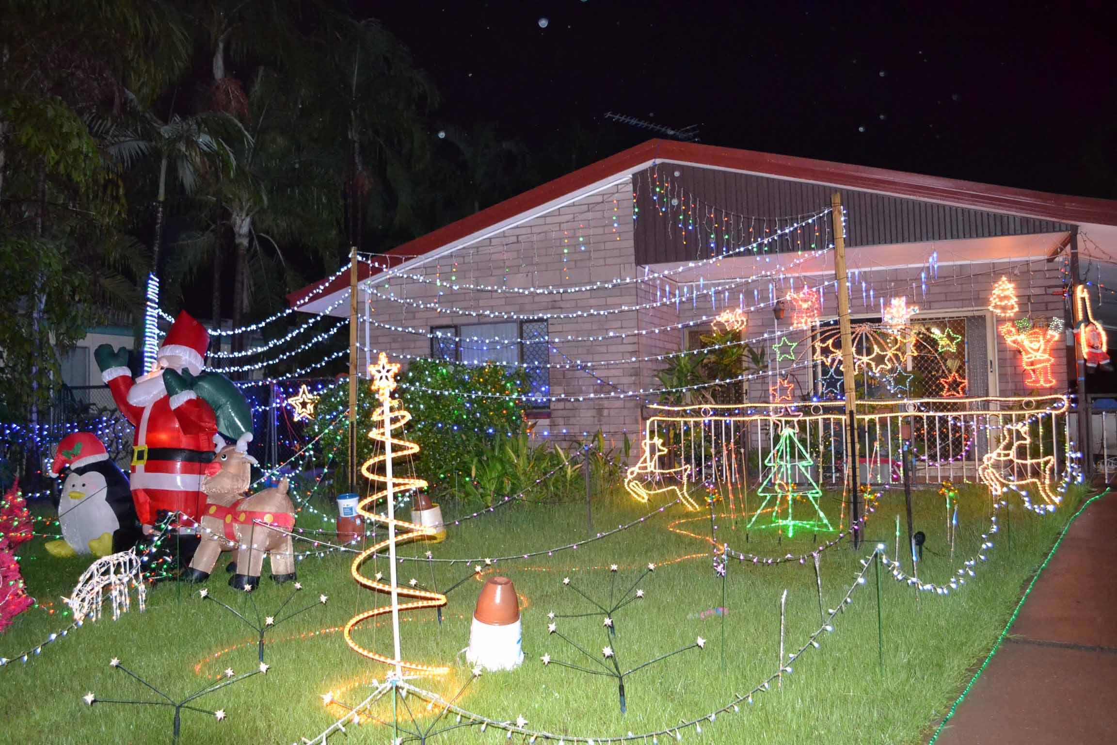 Happy Christmas to all! Christmas lights celebration Darwin 2011 ...