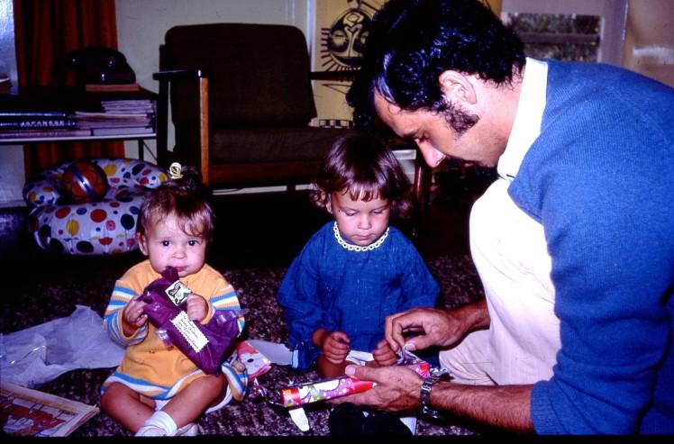 Peter Louisa Rach open presents Xmas 1973