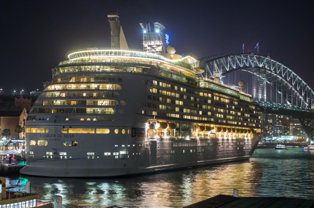 We'll be sailing from Sydney at 9pm so we should have a view something like this.