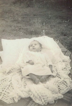 Peter as baby 1949 low