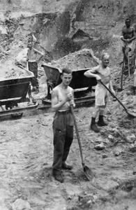 Brit POW Stalag 344 mid_000000