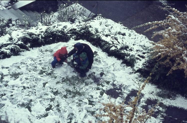 Building snowmen Lucerne Easter 1977 Pauleen Louisa Rach