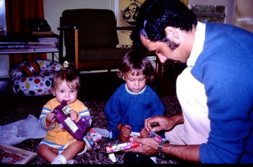 Peter Louisa Rach open presents Xmas 1973