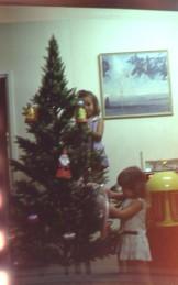 Xmas tree decorating 1976