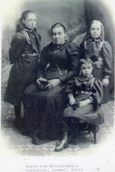 Annie Sim McC with daughters Kit Jean and Edith