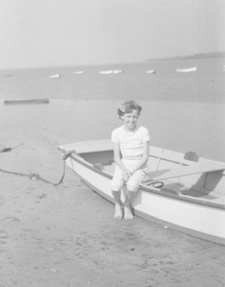 Pauleen at beach copy